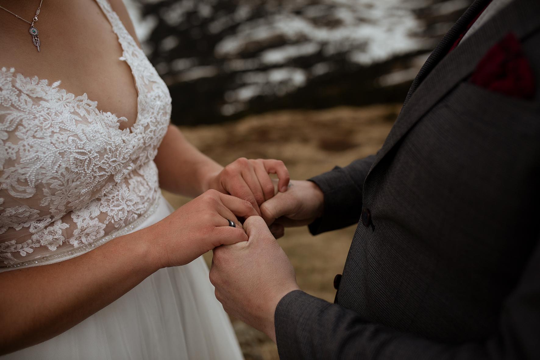Hochzeit_zu_zweit_Berge_Trauversprechen_49